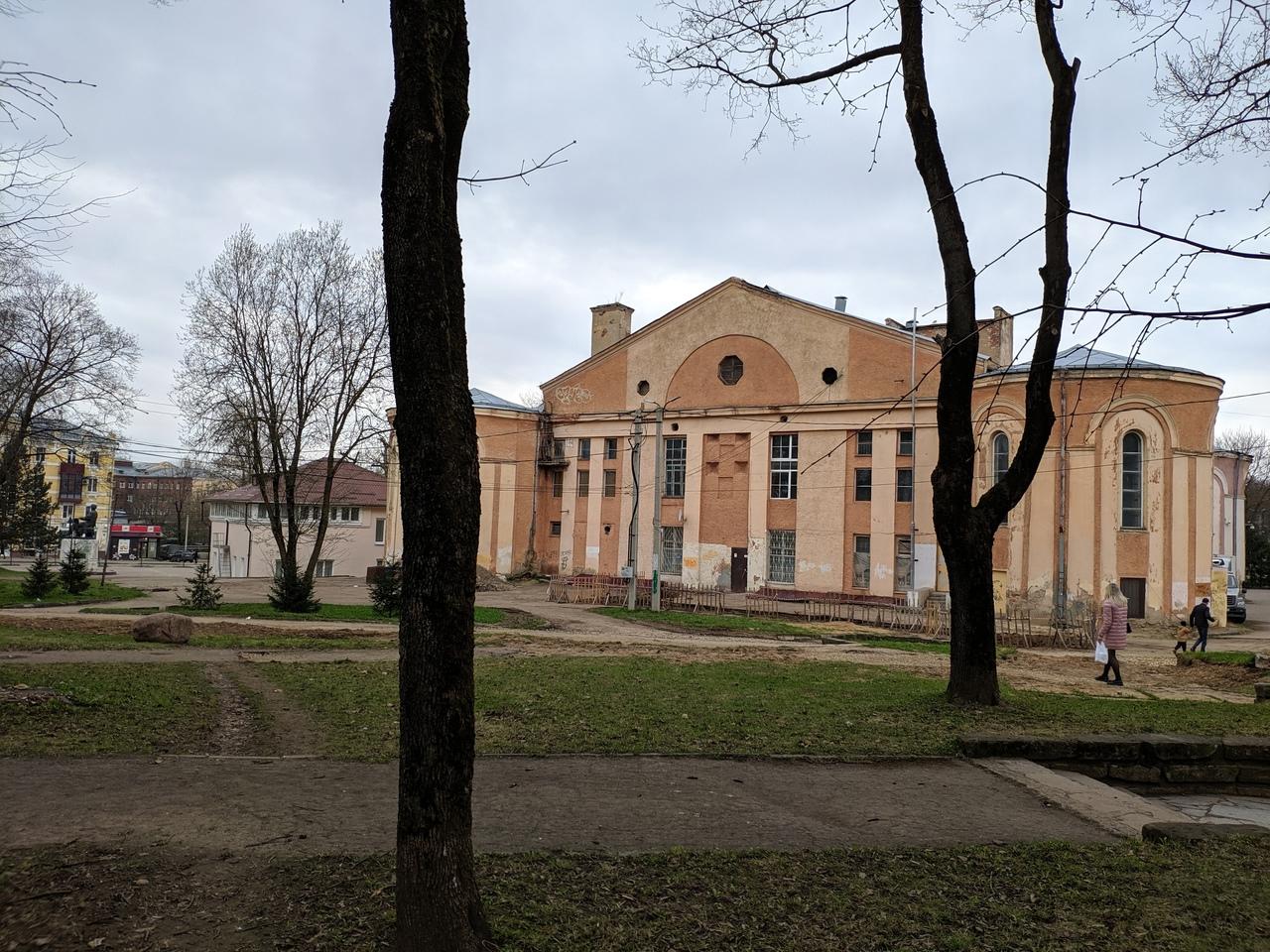 В Смоленске начали поиск подрядчика на благоустройство участка за «Октябрем»