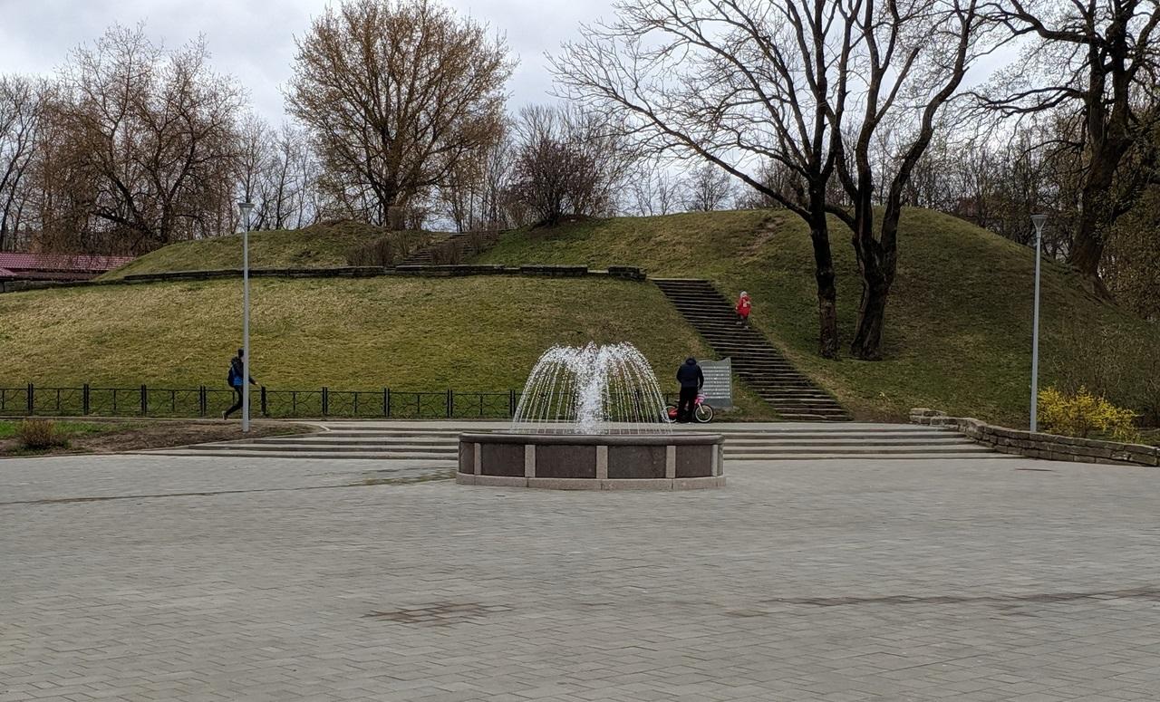 В Смоленске заработали фонтаны