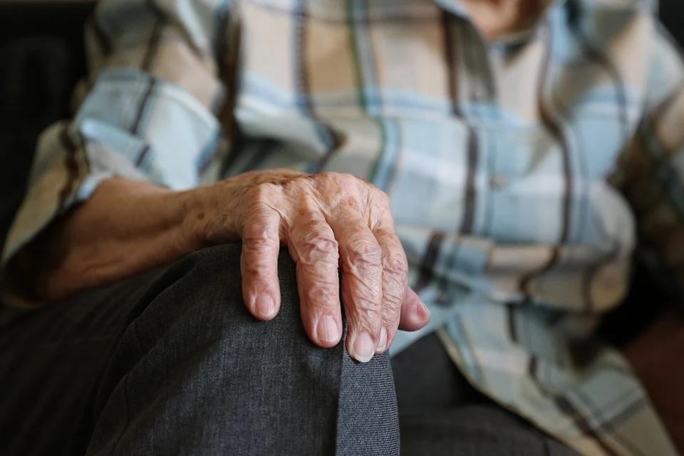 С 1 апреля в Смоленске работающие пенсионеры продолжат получать пособия по временной нетрудоспособности