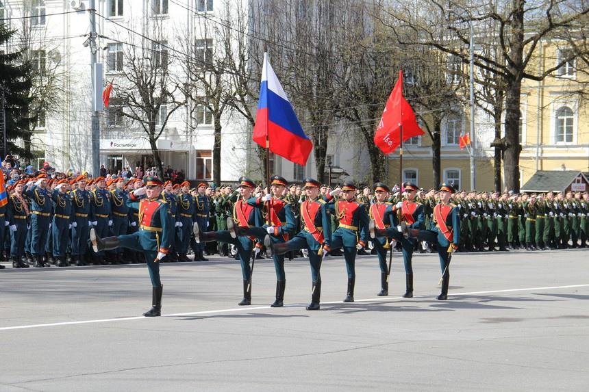 Парад Победы прошел в городе-герое Смоленске 9 мая