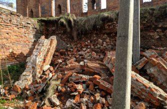Проблемы Смоленской крепостной стены пообещали решить до 8 мая