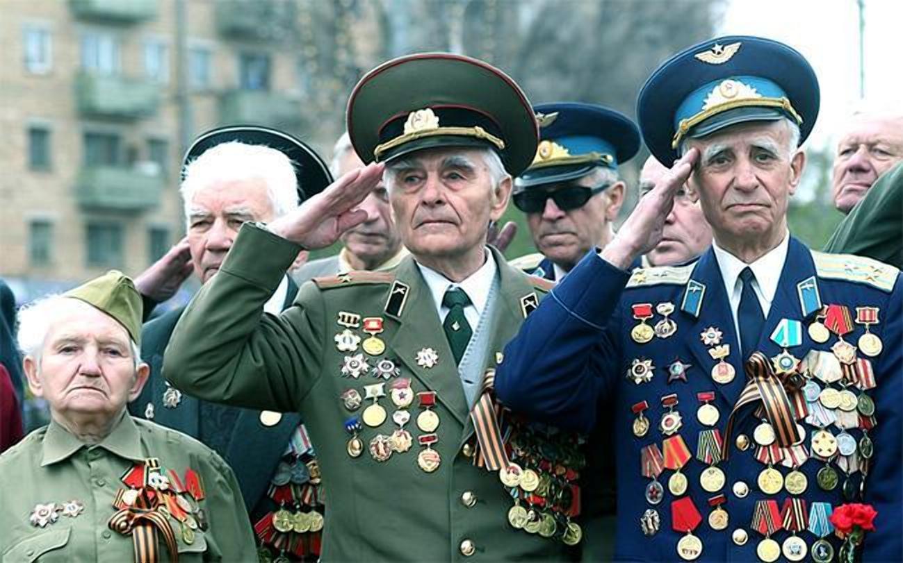 Смоленские ветераны 9 мая могут не платить за проезд в транспорте