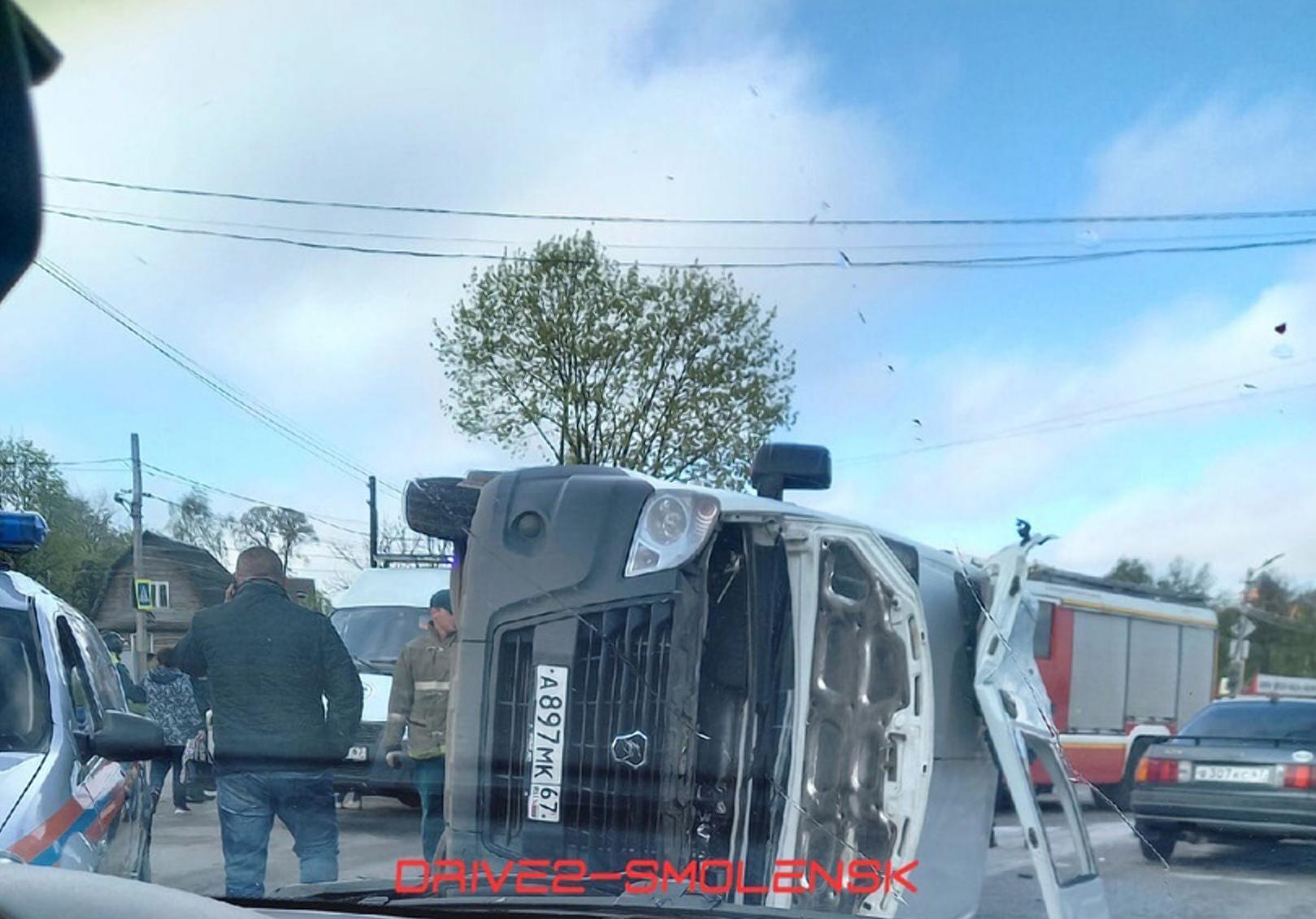 9 человек пострадали в аварии с маршруткой в Смоленске